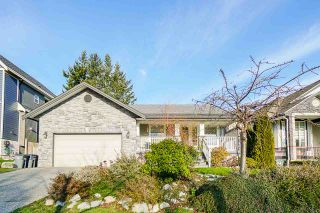 Photo 3: 16725 57A AVENUE in Surrey: Cloverdale BC House for sale (Cloverdale)  : MLS®# R2531138