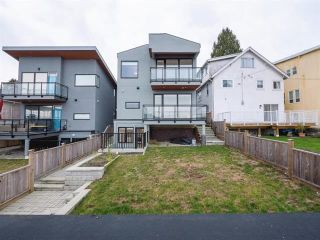 Photo 19: 18 N ELLESMERE Avenue in Burnaby: Capitol Hill BN House for sale (Burnaby North)  : MLS®# R2499845