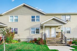 Photo 1: 16 209 Camponi Place in Saskatoon: Fairhaven Residential for sale : MLS®# SK826232
