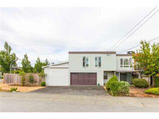 Photo 1: 1205 BEACH GROVE Road in Tsawwassen: Beach Grove 1/2 Duplex for sale : MLS®# V1135632