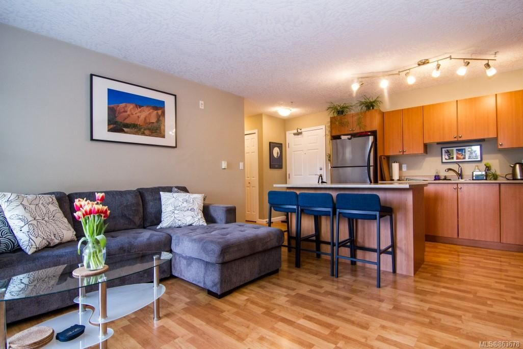 Main Photo: 211 383 Wale Rd in Colwood: Co Colwood Corners Condo for sale : MLS®# 863678