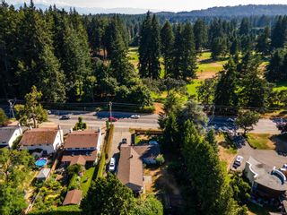 Photo 3: 434 Goldstream Ave in : Co Colwood Corners House for sale (Colwood)  : MLS®# 882935