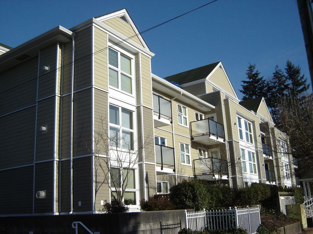 Main Photo: 212 1519 Grant Avenue in Beacon: Home for sale