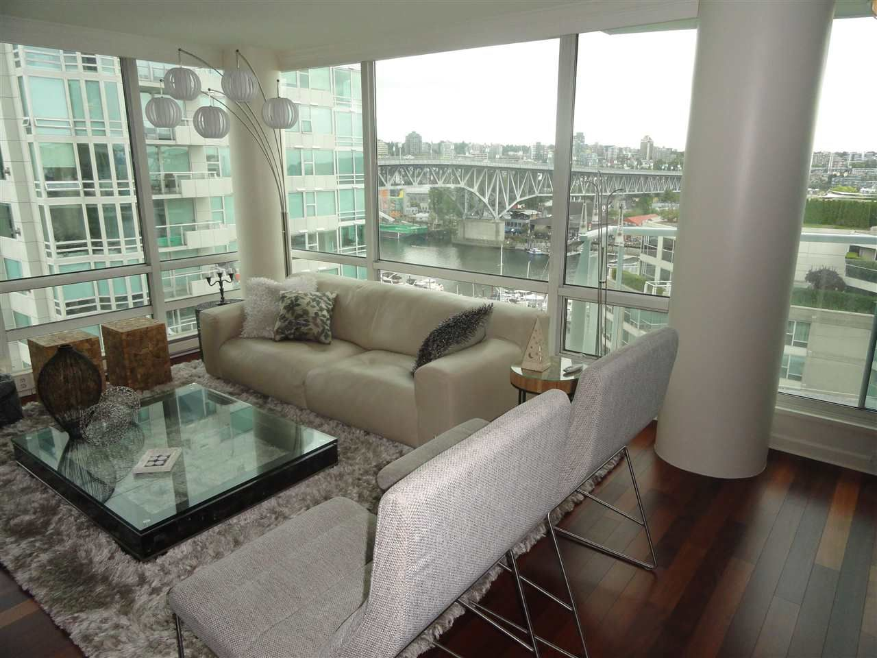 "Main Photo: 1306 1500 HORNBY Street in Vancouver: Yaletown Condo for sale in ""888 BEACH AVENUE"" (Vancouver West)  : MLS®# R2090203"