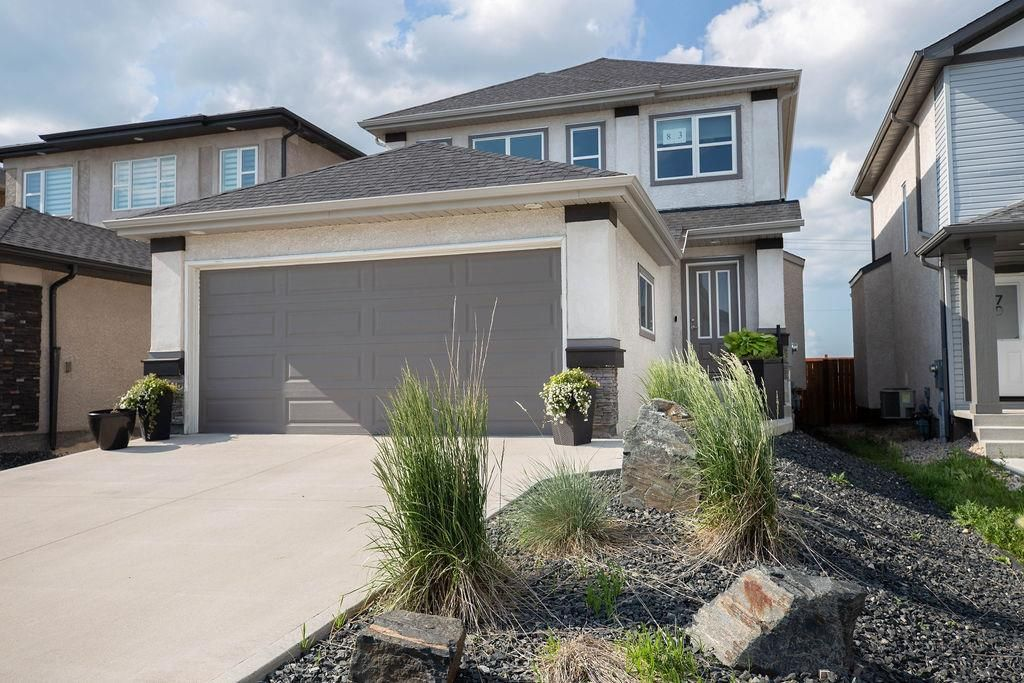 Main Photo: 83 Castlebury Meadows Drive in Winnipeg: Castlebury Meadows Residential for sale (4L)  : MLS®# 202015081