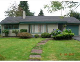 """Photo 1: 1315 W 15TH Street in North_Vancouver: Norgate House for sale in """"NORGATE"""" (North Vancouver)  : MLS®# V666224"""