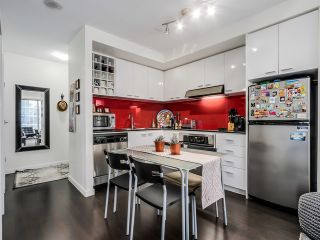 "Photo 3: 2306 131 REGIMENT Square in Vancouver: Downtown VW Condo for sale in ""SPECTRUM 3"" (Vancouver West)  : MLS®# R2019933"