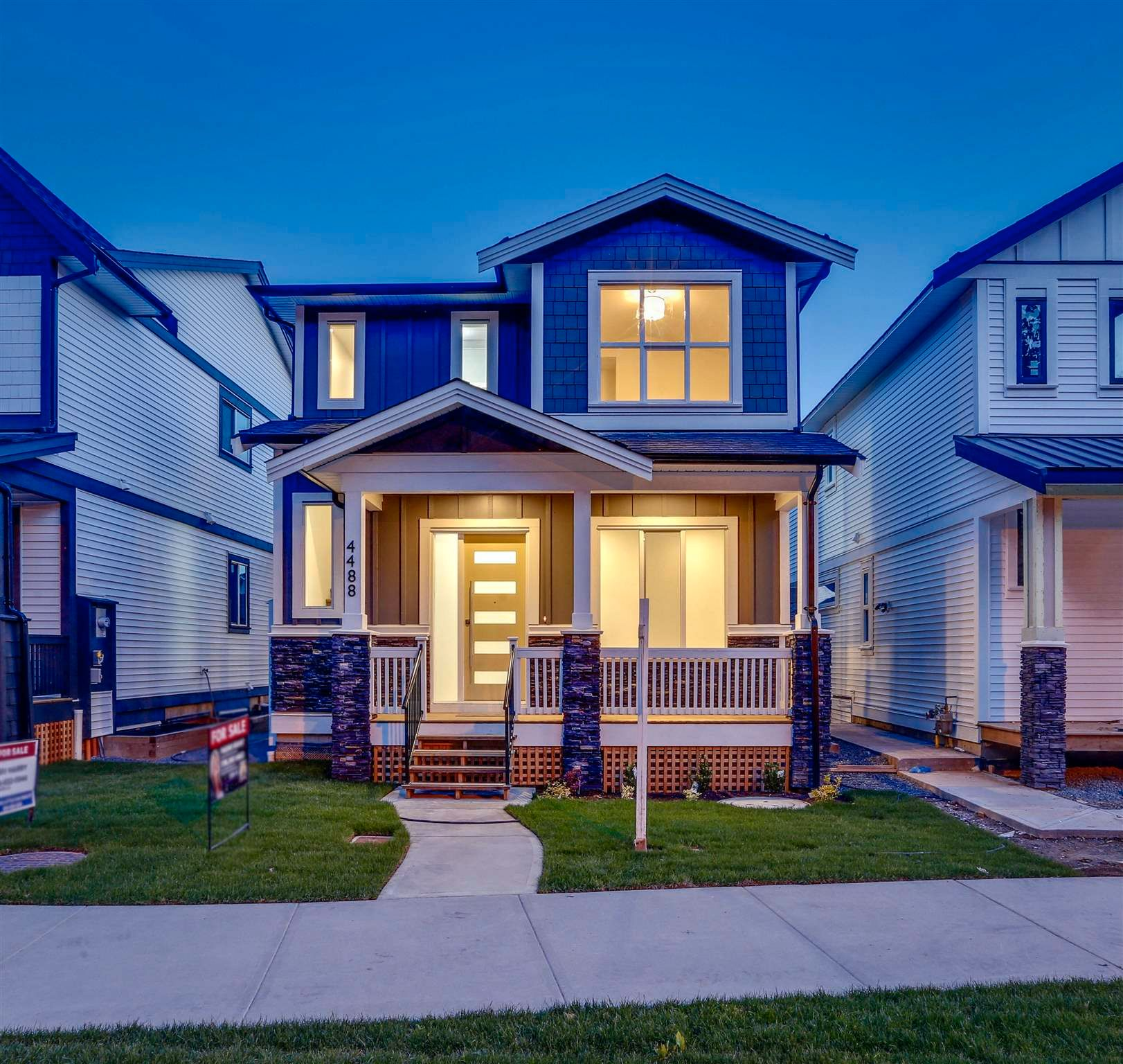 """Main Photo: 4488 STEPHEN LEACOCK Drive in Abbotsford: Abbotsford East House for sale in """"Auguston"""" : MLS®# R2589245"""