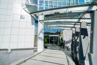"""Photo 2: 701 4189 HALIFAX Street in Burnaby: Brentwood Park Condo for sale in """"AVIARA"""" (Burnaby North)  : MLS®# R2477712"""