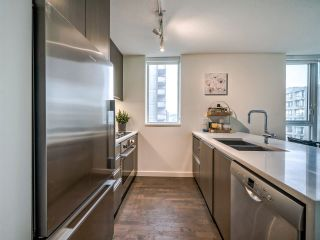 Photo 12: 1501 1009 HARWOOD Street in Vancouver: West End VW Condo for sale (Vancouver West)  : MLS®# R2542060
