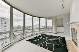 """Photo 12: 2002 1500 HORNBY Street in Vancouver: Yaletown Condo for sale in """"888 BEACH"""" (Vancouver West)  : MLS®# R2461920"""
