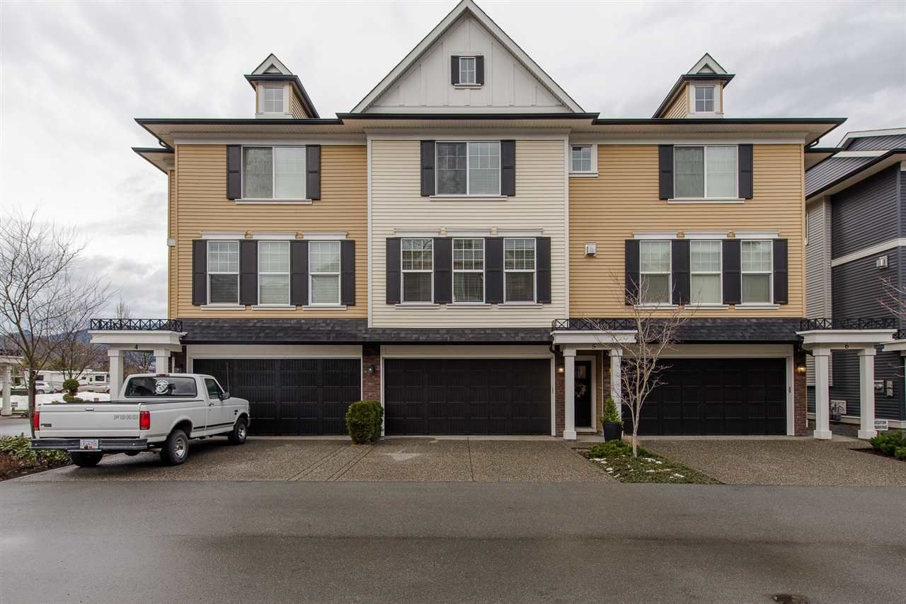 """Main Photo: 5 1640 MACKAY Crescent: Agassiz Townhouse for sale in """"The Langtry"""" : MLS®# R2233070"""