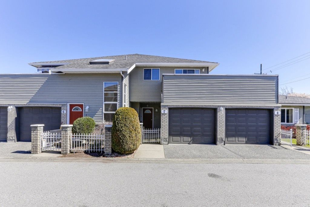 Main Photo: 7 6320 48A Avenue in Delta: Holly Townhouse for sale (Ladner)  : MLS®# R2450233