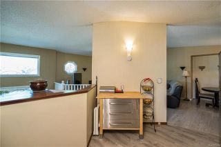 Photo 8: 2 Carriage House Road in Winnipeg: River Park South Residential for sale (2F)  : MLS®# 1810823