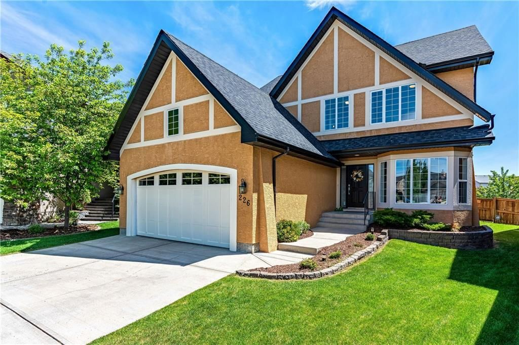 Main Photo: 226 TUSSLEWOOD Grove NW in Calgary: Tuscany Detached for sale : MLS®# C4253559