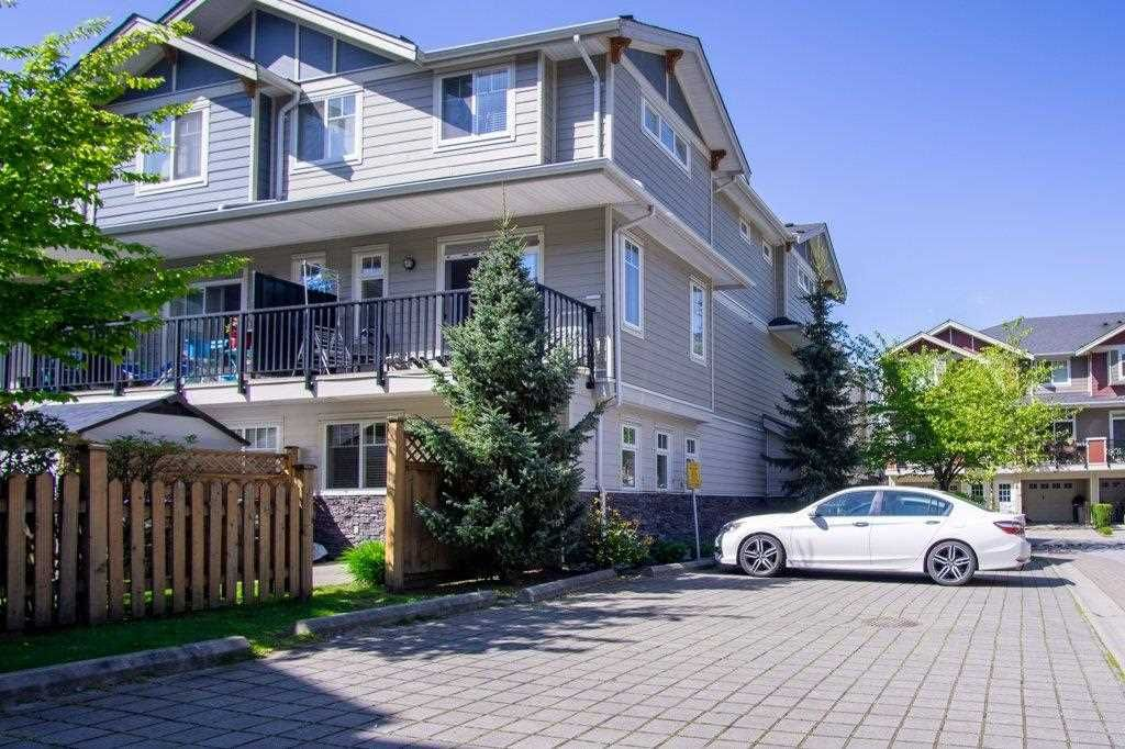 """Main Photo: 77 6383 140 Street in Surrey: Sullivan Station Townhouse for sale in """"PANORAMA WEST VILLAGE"""" : MLS®# R2573308"""
