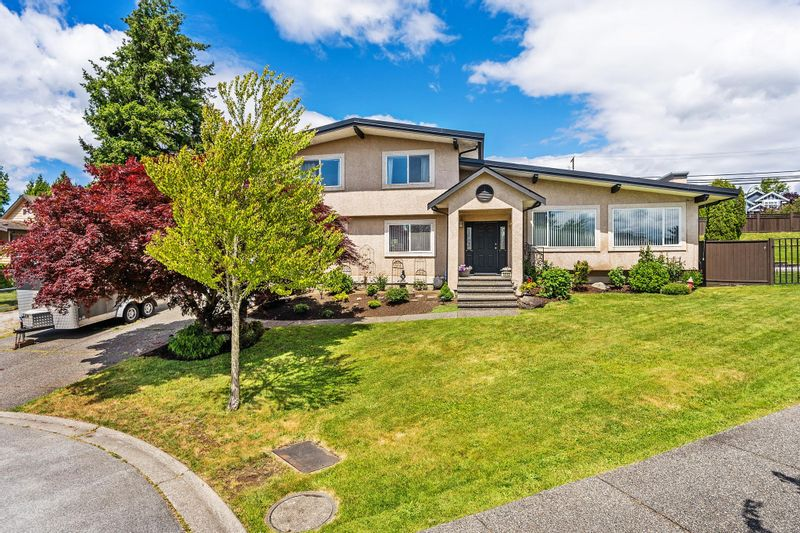 FEATURED LISTING: 5550 185A Street Surrey