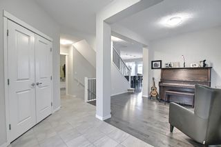 Photo 5: 138 Nolanshire Crescent NW in Calgary: Nolan Hill Detached for sale : MLS®# A1100424