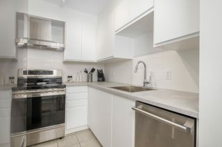 """Photo 9: 306 2133 DUNDAS Street in Vancouver: Hastings Condo for sale in """"Harbour Gate"""" (Vancouver East)  : MLS®# R2614513"""