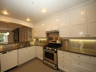 """Photo 8: 5358 LARCH Street in Vancouver: Kerrisdale Townhouse for sale in """"Larchwood"""" (Vancouver West)  : MLS®# R2382346"""