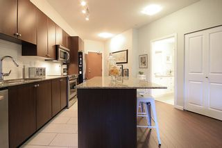 """Photo 7: 105 285 ROSS Drive in New Westminster: Fraserview NW Condo for sale in """"THE GROVE AT VICTORIA HILL"""" : MLS®# R2161578"""