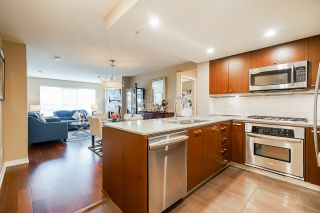 """Photo 10: 210 2940 KING GEORGE Boulevard in Surrey: King George Corridor Condo for sale in """"HIGH STREET"""" (South Surrey White Rock)  : MLS®# R2496807"""