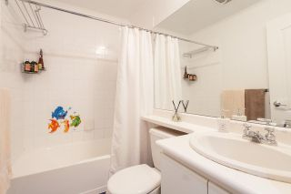 """Photo 11: 302 1177 HORNBY Street in Vancouver: Downtown VW Condo for sale in """"LONDON PLACE"""" (Vancouver West)  : MLS®# R2237119"""