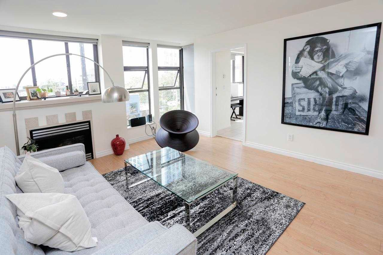 """Main Photo: 302 305 LONSDALE Avenue in North Vancouver: Lower Lonsdale Condo for sale in """"The Met"""" : MLS®# R2593347"""