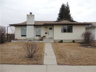 Photo 1: 5524 SILVERDALE Drive NW in CALGARY: Silver Springs Residential Detached Single Family for sale (Calgary)  : MLS®# C3609929