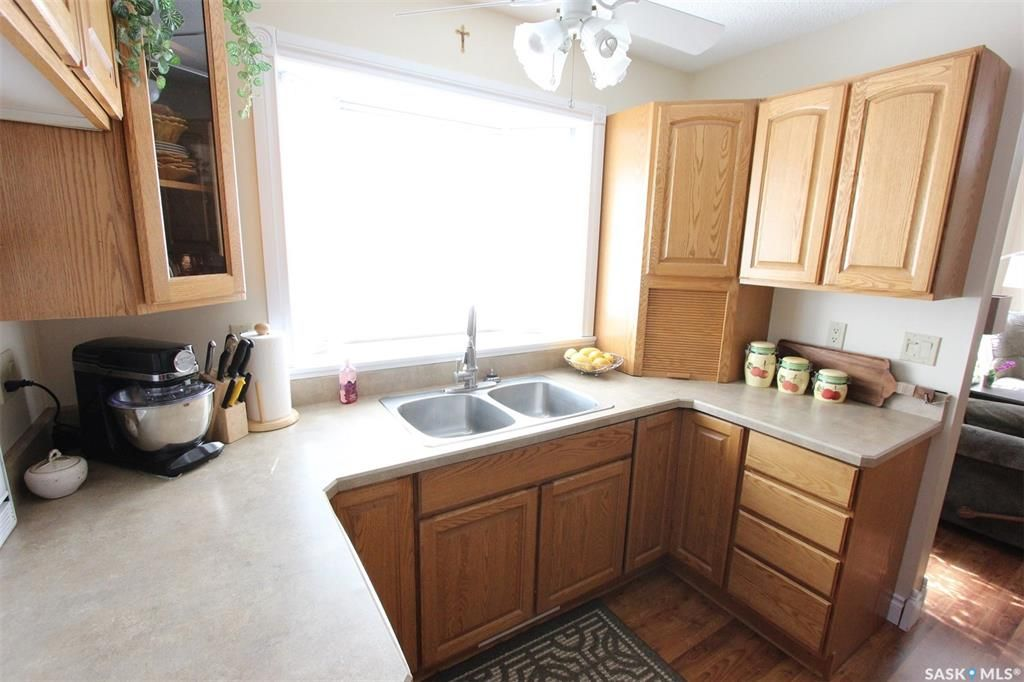 Photo 6: Photos: 1212 Cook Drive in Prince Albert: Crescent Heights Residential for sale : MLS®# SK806050