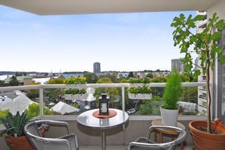"Photo 2: 605 1045 QUAYSIDE Drive in New Westminster: Quay Condo for sale in ""Quayside Tower 1"" : MLS®# R2306018"