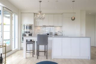 """Photo 8: PH10 2468 BAYSWATER Street in Vancouver: Kitsilano Condo for sale in """"THE BAYSWATER"""" (Vancouver West)  : MLS®# R2461523"""