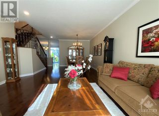 Photo 5: 22 GREATWOOD CRESCENT in Ottawa: House for sale : MLS®# 1258576