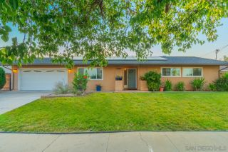 Photo 7: SANTEE House for sale : 3 bedrooms : 9350 Burning Tree Way