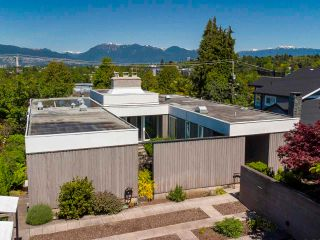 """Main Photo: 2237 W 33RD Avenue in Vancouver: Quilchena House for sale in """"Quilchena"""" (Vancouver West)  : MLS®# R2588173"""