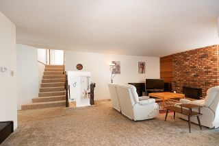 Photo 3: 275 MONTROYAL Boulevard in North Vancouver: Upper Delbrook House for sale : MLS®# R2603979