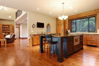 """Photo 6: 5438 240 Street in Langley: Salmon River House for sale in """"Strawberry Hills"""" : MLS®# R2311221"""