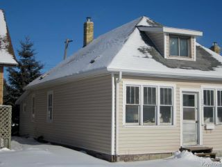 Photo 2: 731 McCalman Avenue in WINNIPEG: East Kildonan Residential for sale (North East Winnipeg)  : MLS®# 1503151