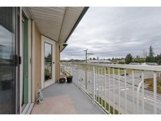 "Photo 3: 304 2410 EMERSON Street in Abbotsford: Abbotsford West Condo for sale in ""Lakeway Gardens"" : MLS®# R2246603"