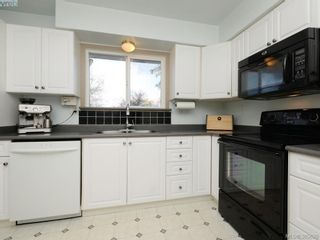 Photo 8: 2092 Airedale Pl in SIDNEY: Si Sidney North-West House for sale (Sidney)  : MLS®# 774876