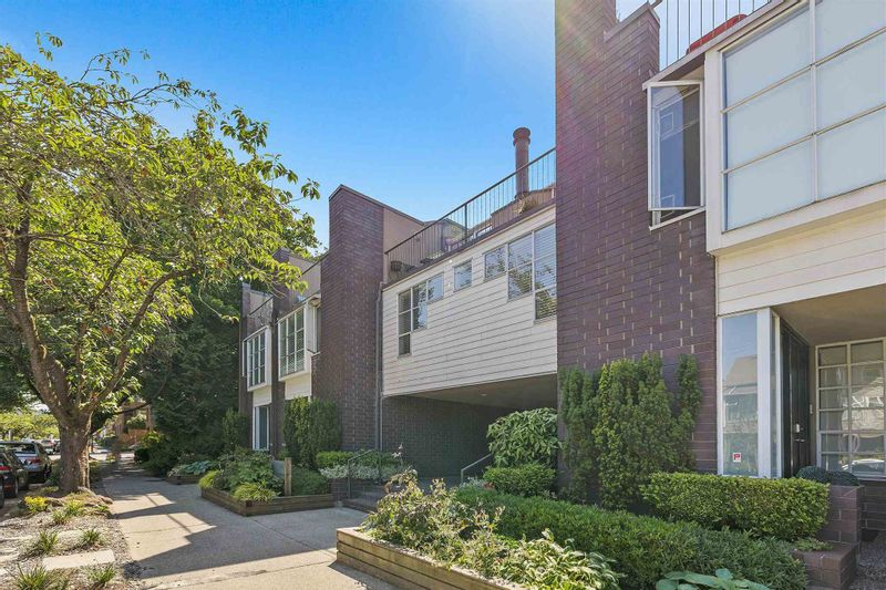 FEATURED LISTING: 826 7TH Avenue West Vancouver