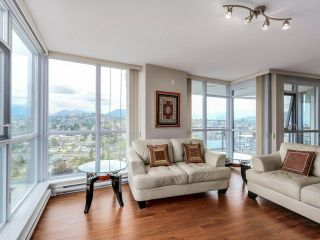 """Photo 4: 2804 2225 HOLDOM Avenue in Burnaby: Central BN Condo for sale in """"LEGACY TOWER 1"""" (Burnaby North)  : MLS®# R2071147"""