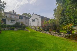 Photo 35: 2717 Roseberry Ave in : Vi Oaklands House for sale (Victoria)  : MLS®# 875406