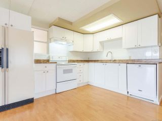 Photo 3: 936 Kasba Cir in FRENCH CREEK: PQ French Creek Manufactured Home for sale (Parksville/Qualicum)  : MLS®# 818720
