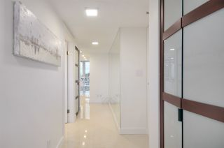 """Photo 12: 1907 1188 HOWE Street in Vancouver: Downtown VW Condo for sale in """"1188 Howe"""" (Vancouver West)  : MLS®# R2132666"""