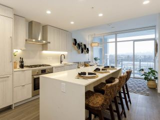 "Photo 3: 903 2311 BETA Avenue in Burnaby: Brentwood Park Condo for sale in ""WATERFALL - LUMINA"" (Burnaby North)  : MLS®# R2541071"