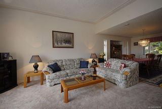 Photo 2: 510 Fawn Pl in : La Thetis Heights House for sale (Langford)  : MLS®# 524659