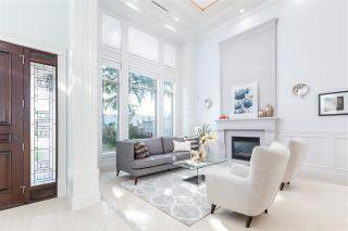 Photo 3: 7531 GLACIER Crescent in Richmond: Broadmoor House for sale : MLS®# R2449214