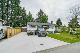 """Photo 2: 15054 CANARY Drive in Surrey: Bolivar Heights House for sale in """"Birdland"""" (North Surrey)  : MLS®# R2576273"""