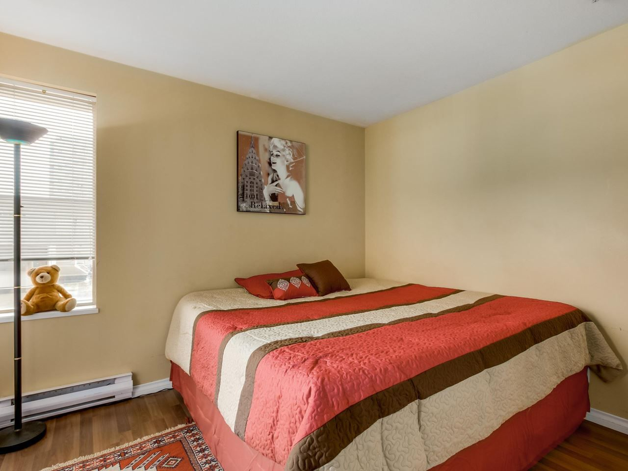 """Photo 10: Photos: 304 137 W 17 Street in North Vancouver: Central Lonsdale Condo for sale in """"Westgate"""" : MLS®# R2075830"""